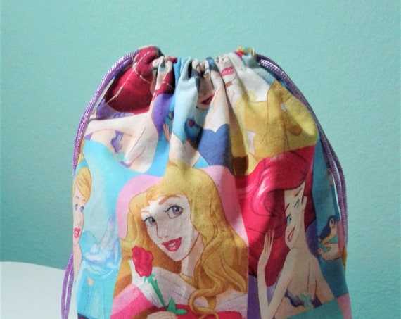 6 Disney Princess gift bags,Disney bags ,Birthday Bags,Fish Extender, Treat Bags, Candy Bags, Goody bags, 9x7 bags