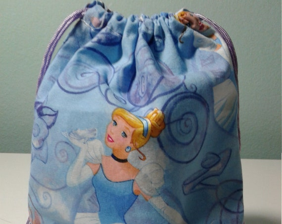 6 Cinderella  gift bags,Disney bags ,Birthday Party  Bags, Favor bags, Treat bags ,Party supplies, 9x7 bags