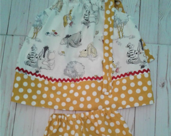 Winnie the Pooh Bloomer Dress, Disney Girls Bloomer set, Pooh Birthday outfit, Baby dress, Toodler Pooh outfit, Summer drss