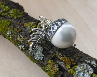 Snow and Silver Pearl Acorn Necklace | White Acorn Pendant Necklace | Nature Jewelry | Acorn Charm Necklace