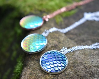 Iridescent Green Mermaid Scale Necklace | Round Mermaid Scales Pendant | Mermaid Jewelry | Magic Mermaid Necklace