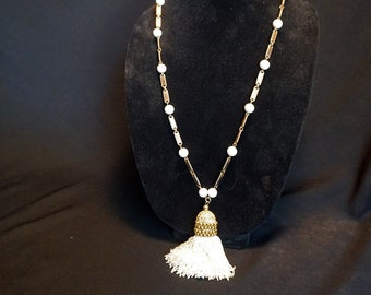 BERGERE Fun Vintage Necklace with Gold Tone Metal Links, White Beads and Large Tassel Pendant
