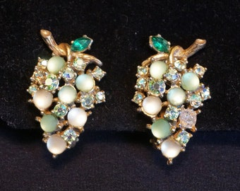 ART ModeArt Arthur Pepper Vintage Green Rhinestone and Green Glass Grape Bunch Clip-On Earrings