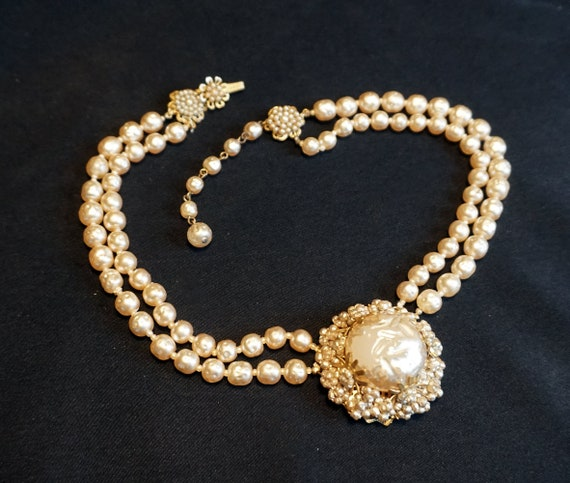 Vintage Double-Strand Faux Pearl Choker with Larg… - image 5