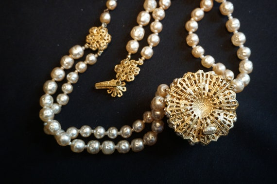 Vintage Double-Strand Faux Pearl Choker with Larg… - image 10