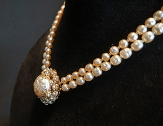 Vintage Double-Strand Faux Pearl Choker with Larg… - image 7