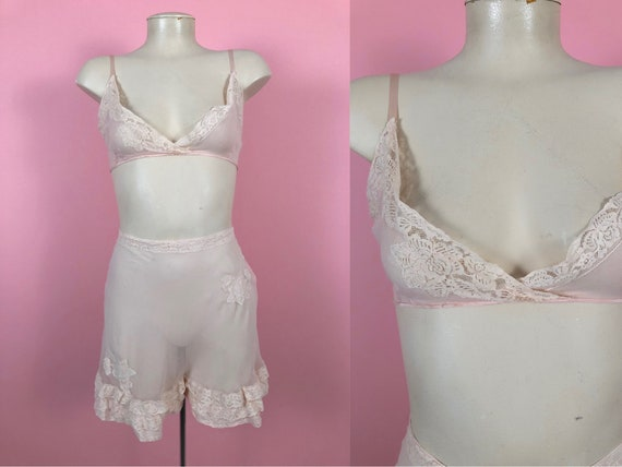 Vintage 1920's Pink Peach Sheer Silk Tap Shorts Br