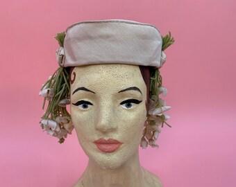 Vintage 1950's 1960's Madame Cezanne Windsor Pill Box Flower Floral Hat Cream Beige