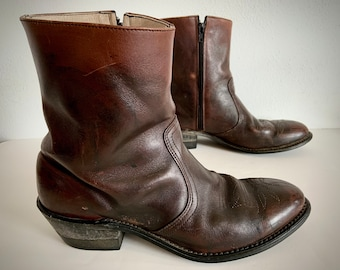 vintage WHISKEY brown leather WESTERN ankle boots men's us 9 DISTRESSED desert style biker motorcycle cowboy women's 10 1/2 11