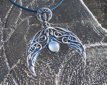 Moonstone or Baltic amber lunula, silver moon, Slavic pendant, moon goddess, moon amulet, crescent moon pendant, amber jewelry, moonstone