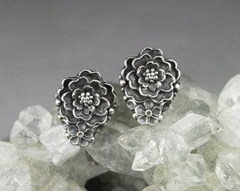 Little garden,  tiny flower earrings, sterling silver floral earrings, flower studs, tiny flowers, small stud earrings, bouquet, sculpted