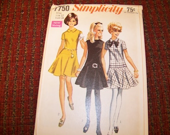 SIMPLICITY 7750 ladies dress pattern size 12 bust 34 new and uncut