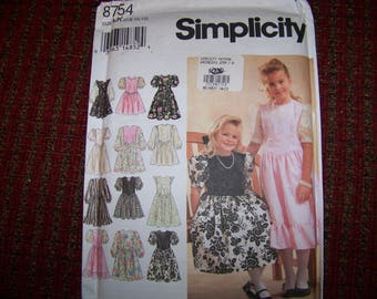 SIMPLICITY UNCUT PATTERN 8754 child pattern size 78-10-12