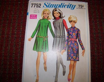 SIMPLICITY 7752 LADIES dress pattern size 12 bust 34 new and uncut
