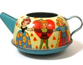 1950s Tin Toy TeaPot. Queen of Hearts. Made by Ohio Art.