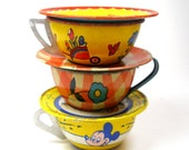 50s Tin Toy Tea Cups Saucers. Bird, DOG, horse. Red yellow blue, Instant Collection.