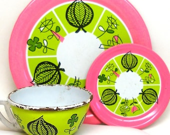 60's Mod Tin Toy Tea Setting, Flowers in Pink, yellow, green.