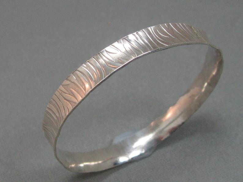 ac03e83e0bf Sterling Silver Wave Pattern Concave Bangle Bracelet Hand