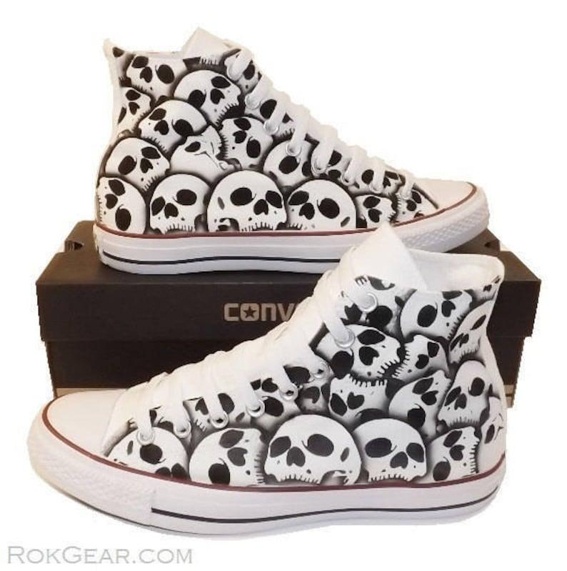 skull converse