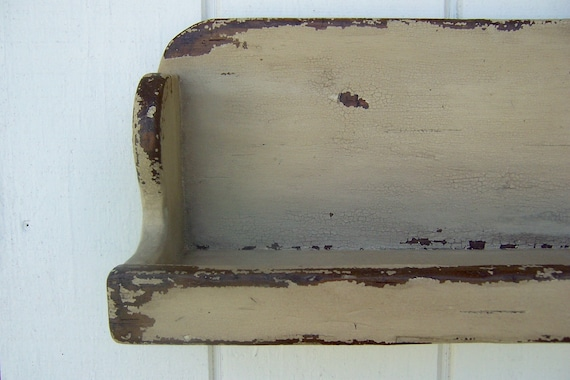 """Rustic White Weathered Looked Towel//Quilt Shelf 19/"""" Long Primitive"""