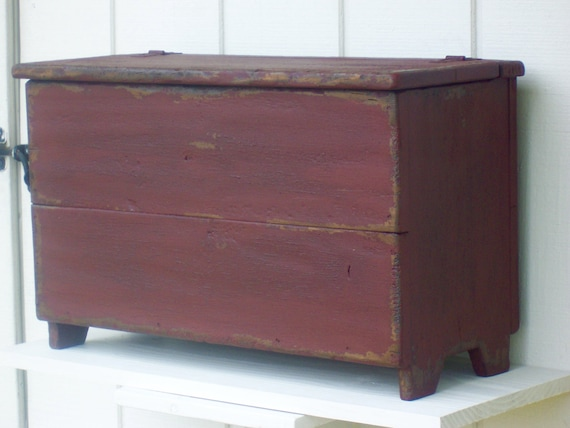 Outstanding Primitive Bench Blanket Chest Small Storage Box Trunk Painted Country Distressed Rustic Farmhouse Furniture Decor Caraccident5 Cool Chair Designs And Ideas Caraccident5Info