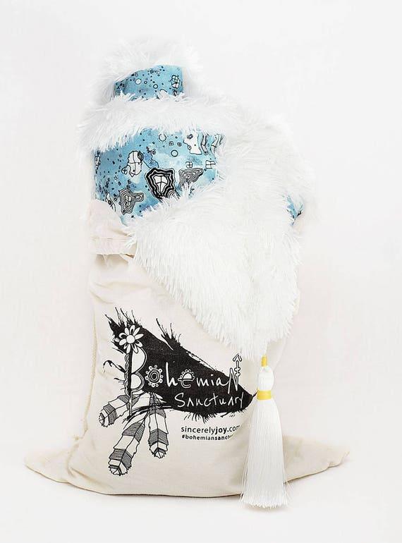 Blue White Shabby Chic blanket thick shag blanket 4 tassels blanket unique funky throw Modern Gypsy Style Home Decor thick Boho Blanket Art