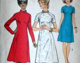 Vintage 70's Sewing Pattern, Simplicity 5324, Misses' Women's A-Line Dress, Size 12, 34 Bust, Uncut FF, Retro 1970's Fashion