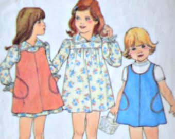 Sewing Pattern, Vintage 70's Simplicity 7366 Girls Toddlers Dress & Pullover Jumper, Size 4, 23 Breast, Retro 1970's