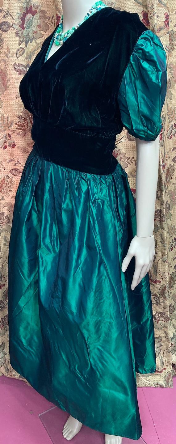 Vintage 60s Green Velvet and Taffeta Dress. Green… - image 5
