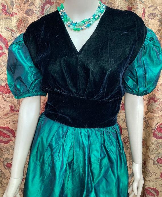 Vintage 60s Green Velvet and Taffeta Dress. Green… - image 2
