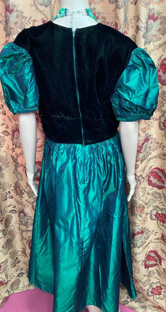 Vintage 60s Green Velvet and Taffeta Dress. Green… - image 8