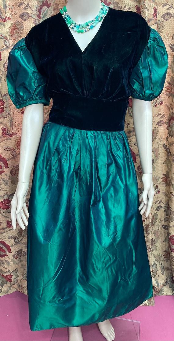 Vintage 60s Green Velvet and Taffeta Dress. Green… - image 3