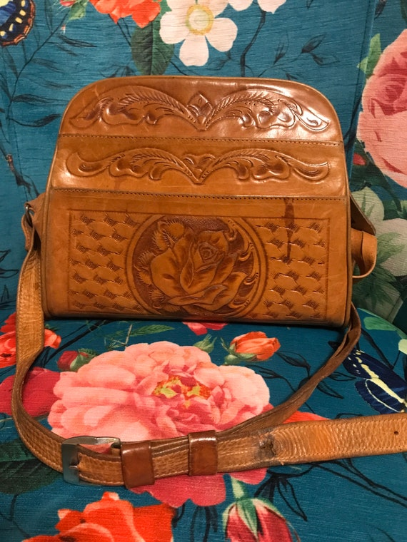 Vintage 1940s Hand Tooled Leather Purse. Leather R