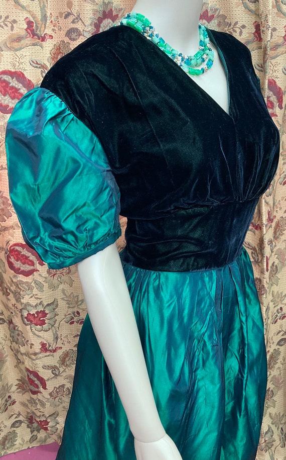 Vintage 60s Green Velvet and Taffeta Dress. Green… - image 6