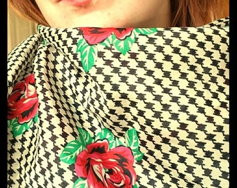 Sarah Coventry Hounds-tooth and Roses Vintage Scarf