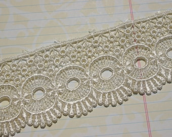 "Wide Ivory Venice Lace - Circle Fan Pattern - Pretty Sewing Venise Trim - 2 1/4"" Wide"