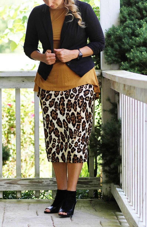 LillyAnnaLadies Women's Knit Pencil Skirt Modest Leopard image 0