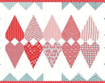 Flipped Over You Sandy Gervais, valentine quilt patterns, valentines table topper, valentines table runner pattern, paper quilting pattern