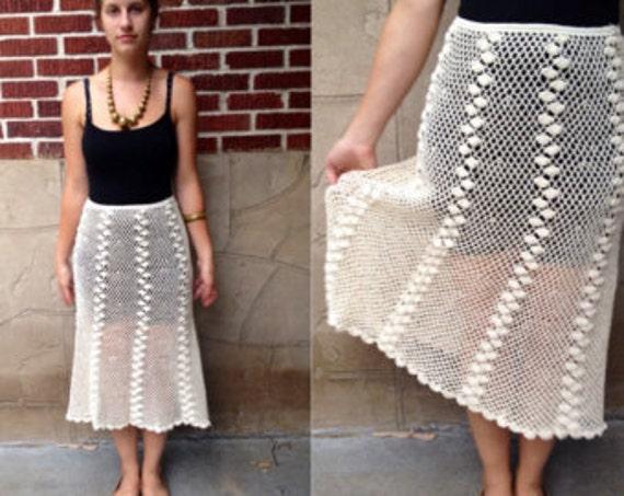 VTG Cream Crochet Top and Skirt // Seashell Croche