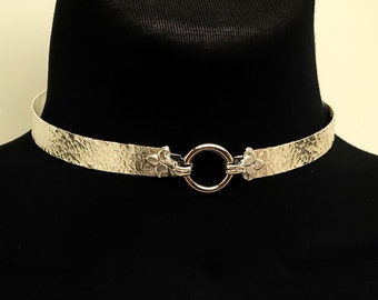 Discreet Slave Collar in Solid Sterling Silver With Stainless Steel Captive Segment Locking Clasp and Fleur Des Lis Accents