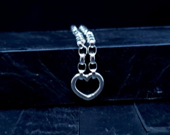 Super Discreet Heavy Silver Chain Slave Bracelet With Modern Heart Push Clasp Focal