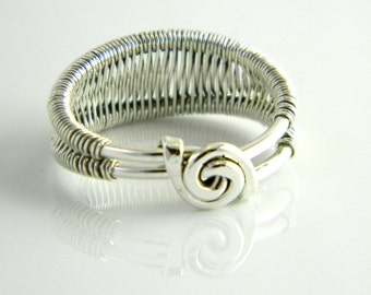 Woven Shank Sterling Silver Ring - Size 7