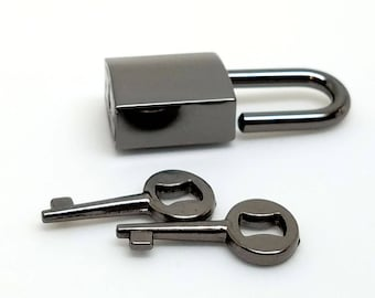 Small Gunmetal Black Nickel Padlock/clasp.