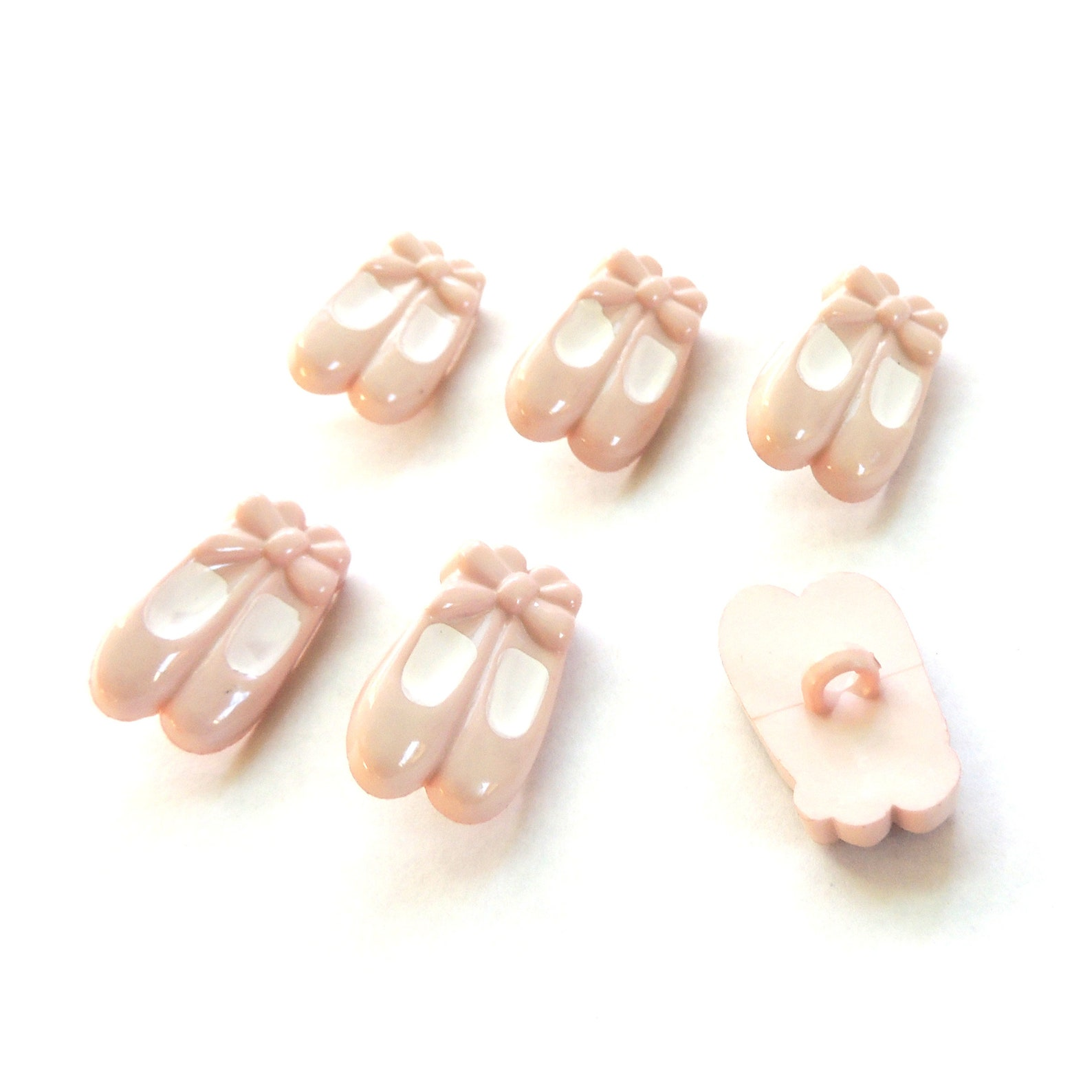 ballet shoe buttons by buttons galore // pink novelty dance ballerina girl sewing scrapbook pointe