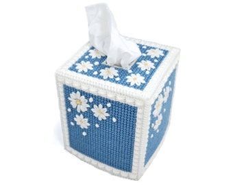 PATTERN: Daisy Tissue Box Cover in Plastic Canvas