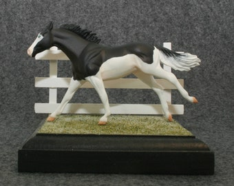 Grass or Sand Display Base for Model Horses with or without Fence holes for Removable Fencing