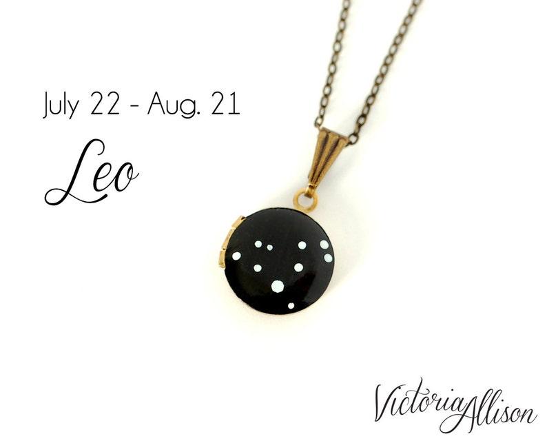 Leo Star Sign Leo Zodiac Constellation Necklace on Vintage image 0