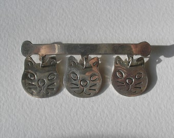 Vintage Modernist Taxco Sterling 925 Engraved 3 Cat Articulated Pin