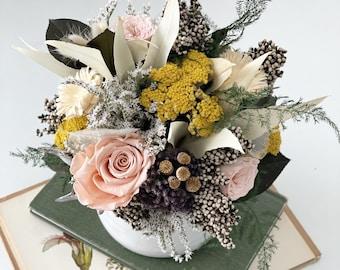 bloom - everlasting dried flower arrangement - centerpiece