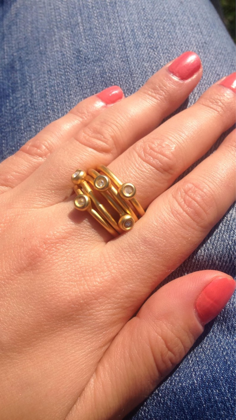 Modern Vintage Gold Jeweled Band Ring Size 8 Women/'s